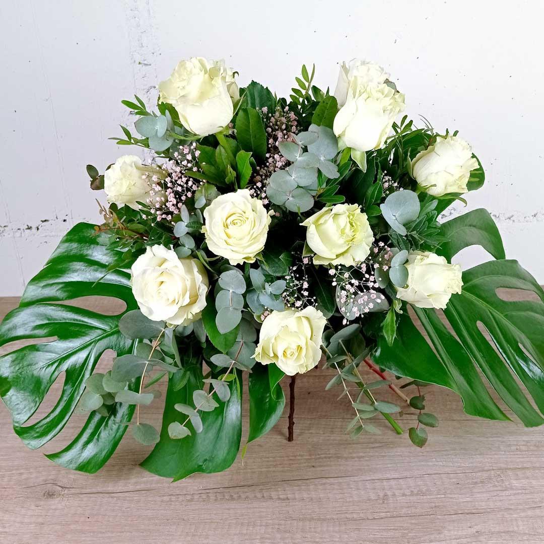 ram-9-roses-blanques-floristeria-les-flors-igualada-