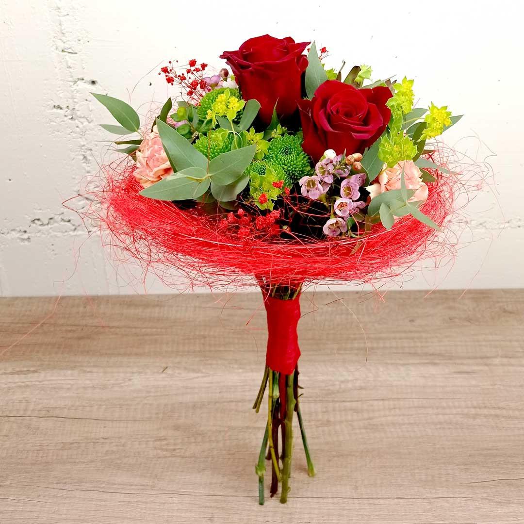 bouquet-roses-vermelles-cristantem-clavells-flor-seda-ram-floristeria-les-flors-igualada
